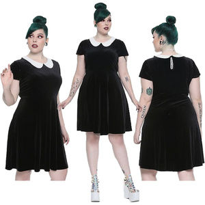Sz 5X Hot Topic Velvet Wednesday Addams Dress